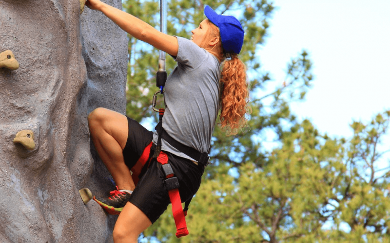 IMG_5982-climbing-the-rock_preview.png 1